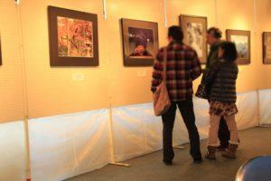 ギャラリーや個展